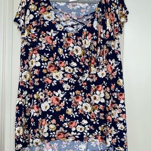 Plus size stretchy floral blouse